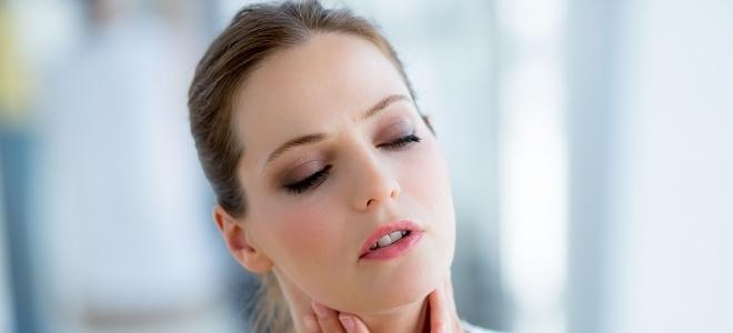 Как лечить лакунарную ангину в домашних условиях?