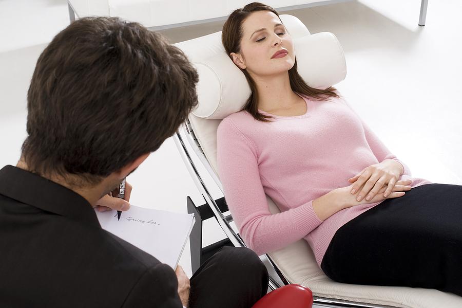 По каким признакам можно определить, что нужна помощь психотерапевта?