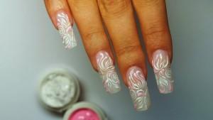 Преимущества использования гелевых ногтей