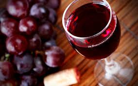 Красное вино: в чем польза и как правильно выбрать