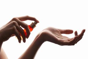 Как продлить жизнь запаха духов