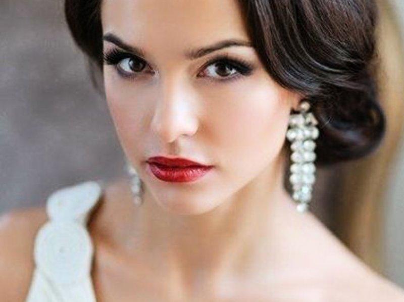 Классически вариант свадебного макияжа